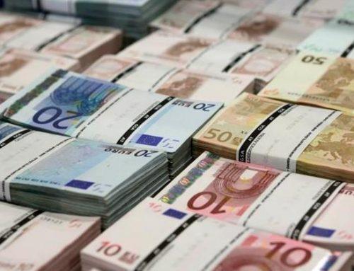 Pokusa wspólnej waluty – ulegać czy nie?